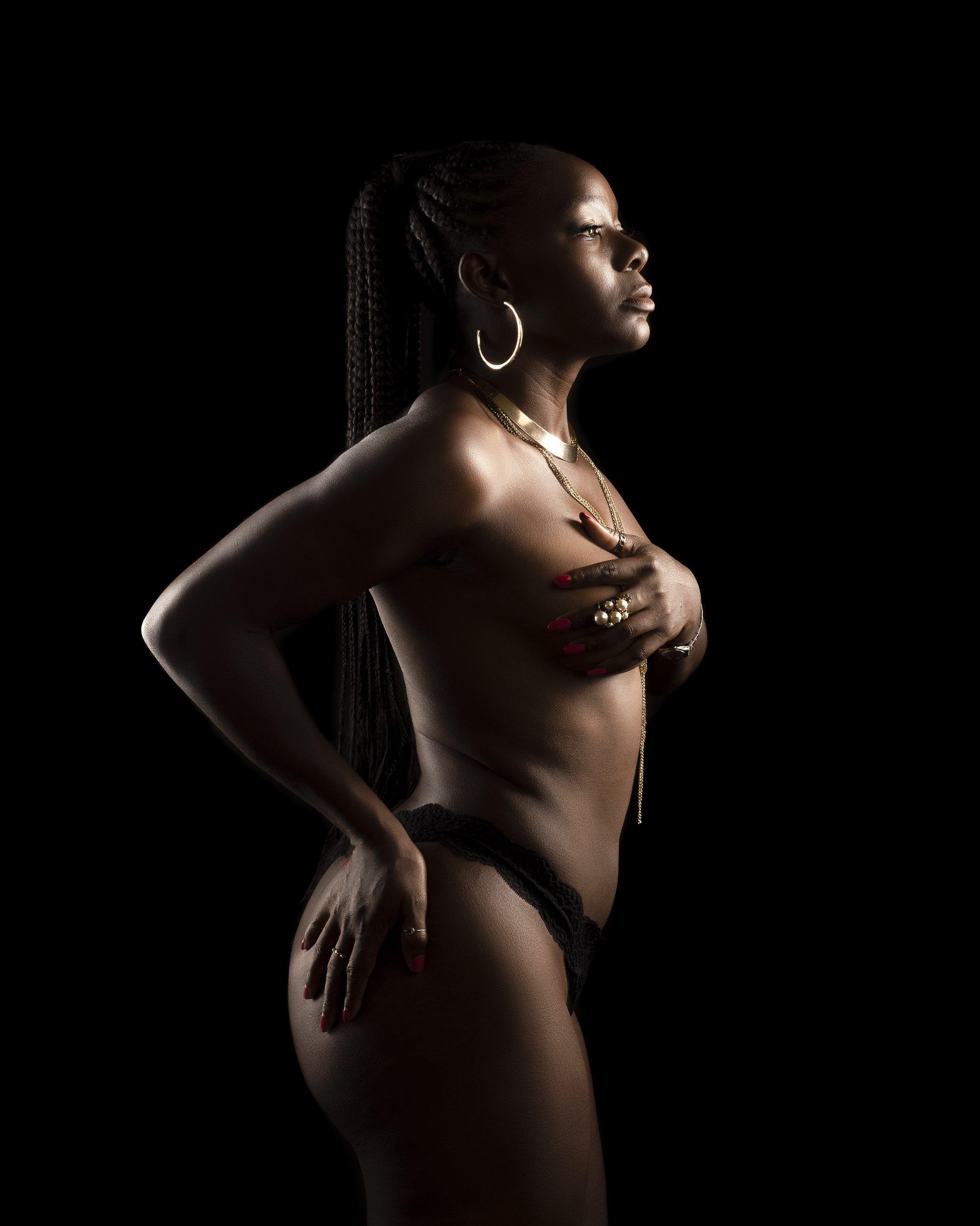 semi nude boudoir photography